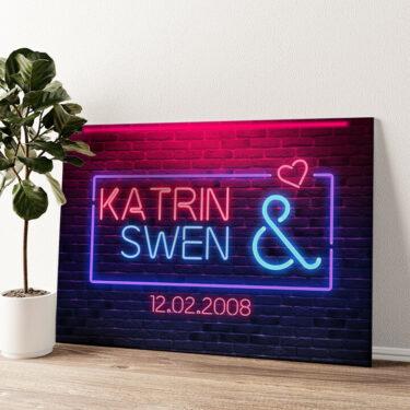 Neon Love Wandbild personalisiert
